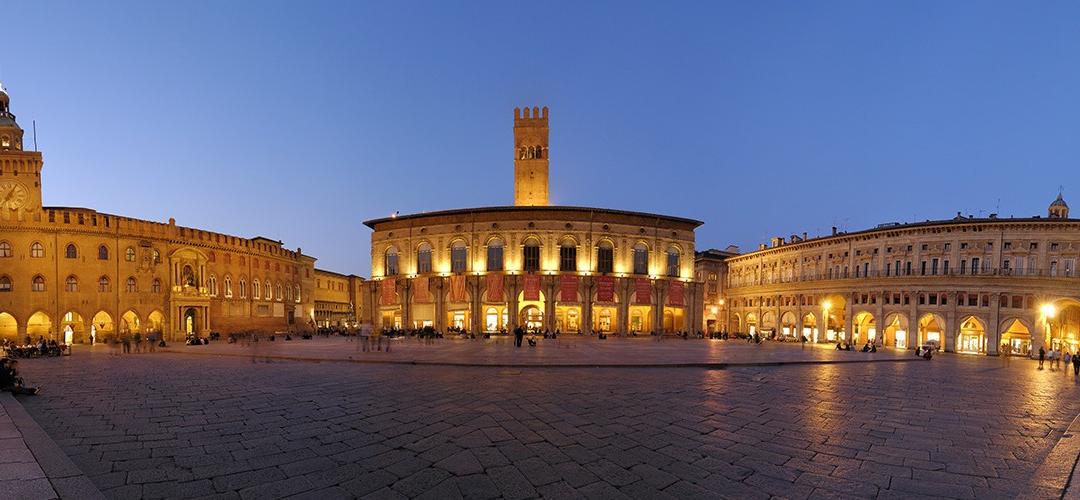 Domenica 17 settembre – Tutte (o quasi) le piazze di Bologna – Passeggiata