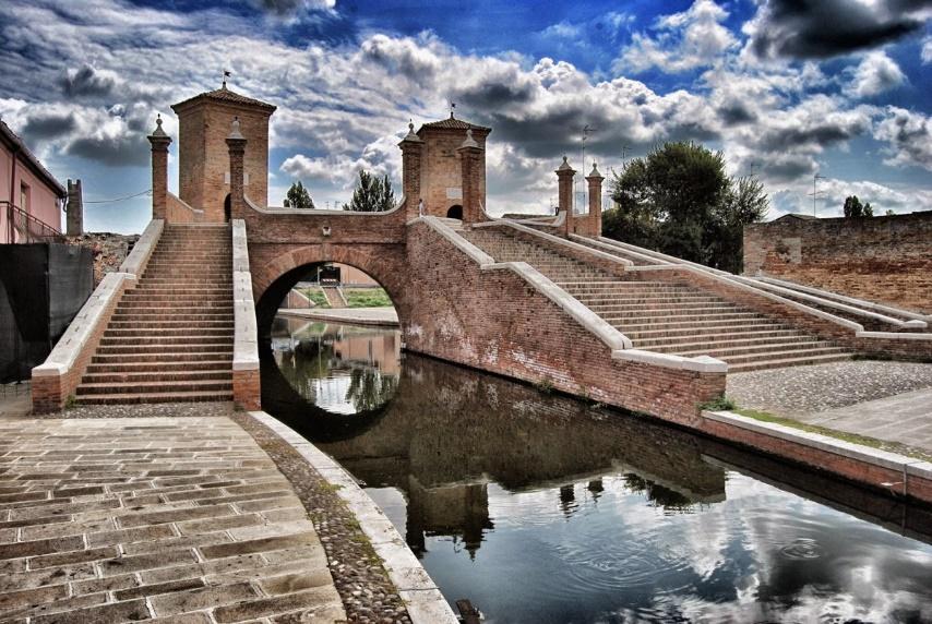 Domenica 15 Ottobre  – Andando per sagre: l'anguilla di Comacchio – Novità: in bici da Bologna