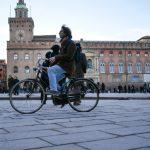 Multe alle bici in contromano: Bologna boccia il doppio senso ciclabile - Rivista BC