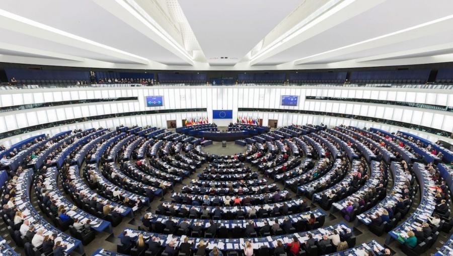 Elezioni Europee: FIAB chiama tutti al voto, l'Europa ha bisogno dell'Italia che pedala