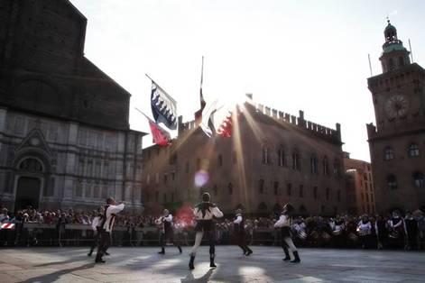 Domenica 9 febbraio – Bologna vista dal sellino: tre palii ed una cavalcata – Passeggiata